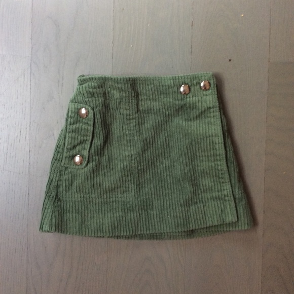 Zara Other - Zara skirt size 4